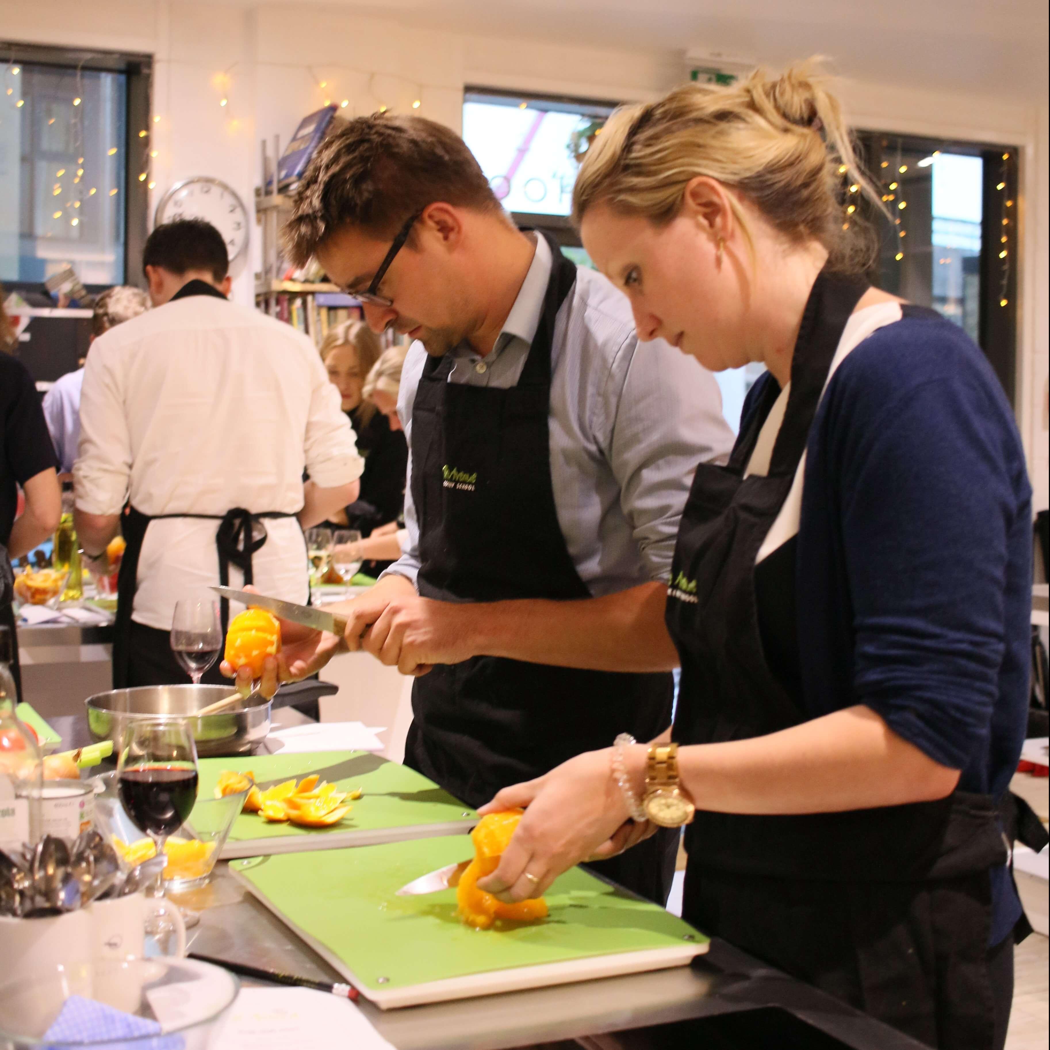 Kitchen Window Knife Skills Class: The Avenue Cookery School